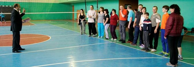 Энтузиастов-любителей волейбола приветствует Александр Чернов