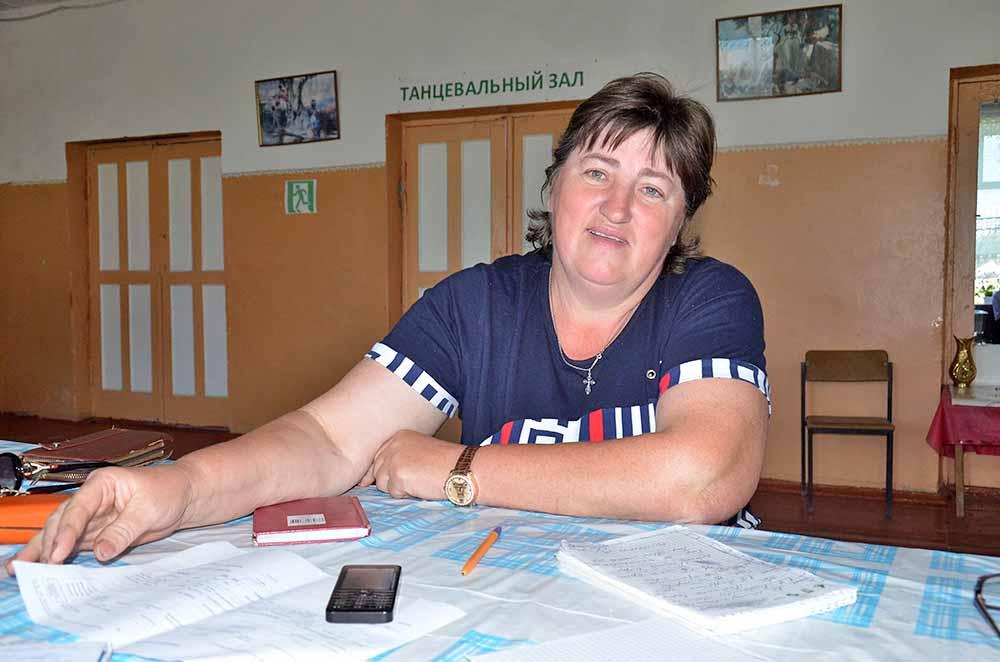Ольга Егорова уверяет, что стала свидетельницей необычного явления. В крещенскую ночь она видела, как из-под земли на месте заброшенного родника бил фонтан воды.
