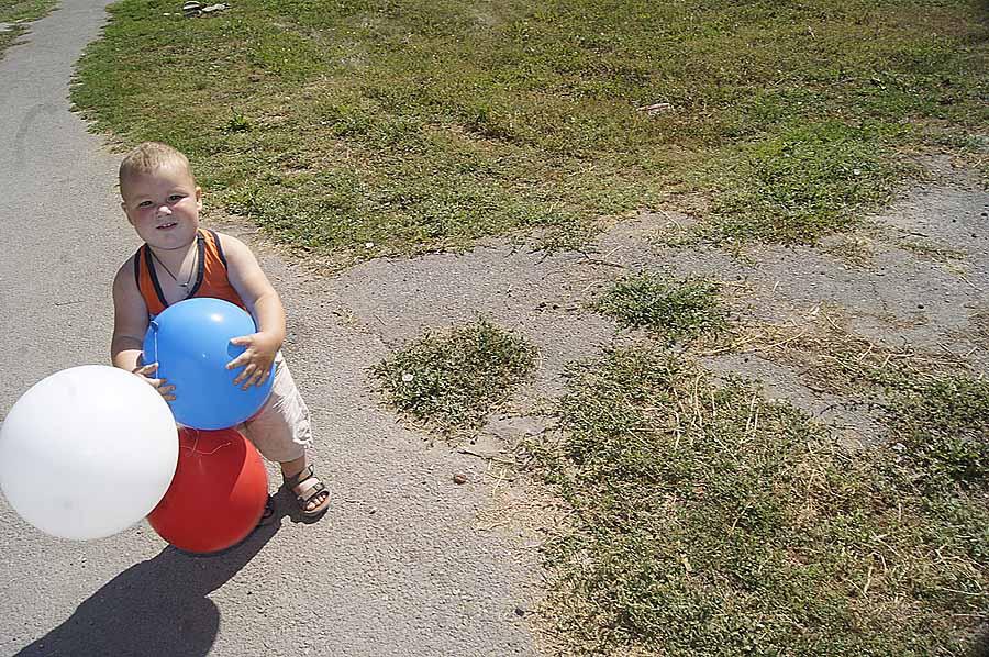 В Новочеркутинском сельсовете большое значение придают заботе о подрастающем поколении.