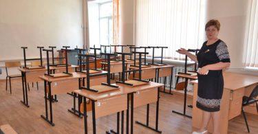 Директор лицея № 1 п. Добринка Т. М. Селиванова: «Отремонтированные классы уже сегодня готовы принять ребят».