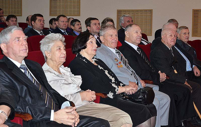 Среди почетных гостей праздника – ветераны, много лет проработавшие в сельском хозяйстве.
