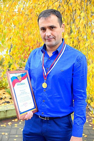 Призом лучшего игрока нынешнего первенства отметили Вадима Колесникова. С одиннадцатью забитыми мячами он стал главным голеадором розыгрыша.
