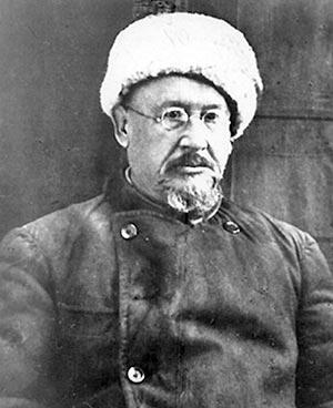 Большевик Исполатов.
