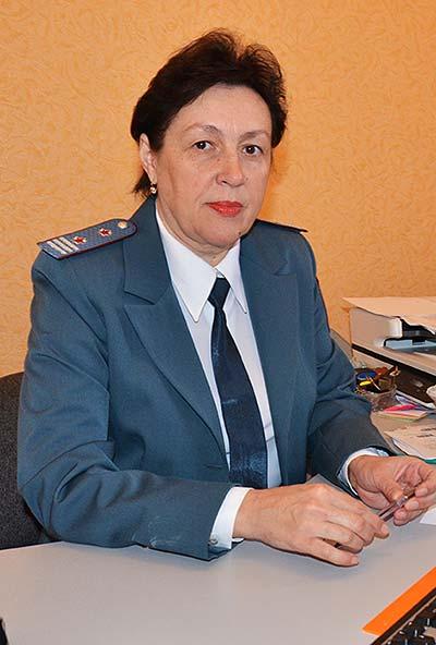 Главный госналогинспектор отдела учета и работы с налогоплательщиками Е.В. Анохина трудится в налоговой службе уже 25 лет.