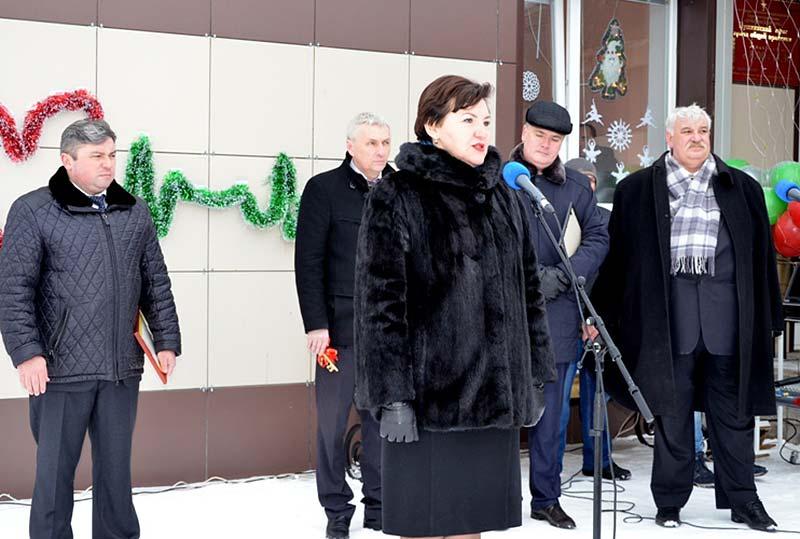 заместитель главы администрации Липецкой области Людмила Летникова сообщила, что и в наступающем году в регионе продолжат строить новые ФАПы и Дома культуры.