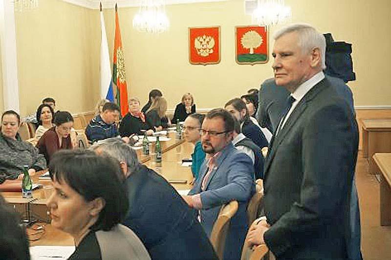 Юрий Алтухов отметил, что выборы Президента Российской Федерации всегда отличаются особым внутренним напряжением и ответственностью всех участников за их результат, который во многом определит дальнейшую судьбу нашей страны.