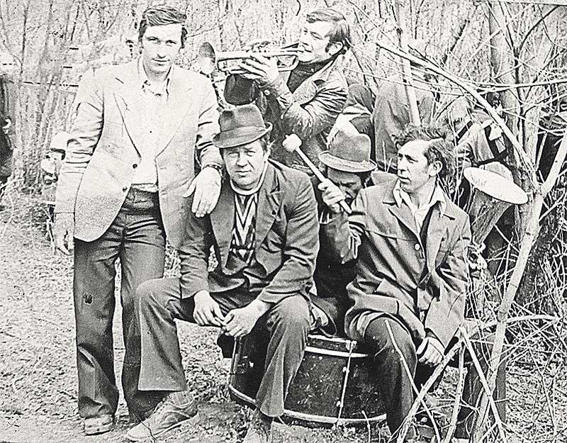 Духовой оркестр, неизменным членом кото- рого Аносов был долгое время.
