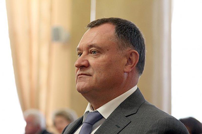 Вячеслав Михайлович Щеглеватых, заместитель главы администрации Липецкой области - начальник управления финансов Липецкой области.
