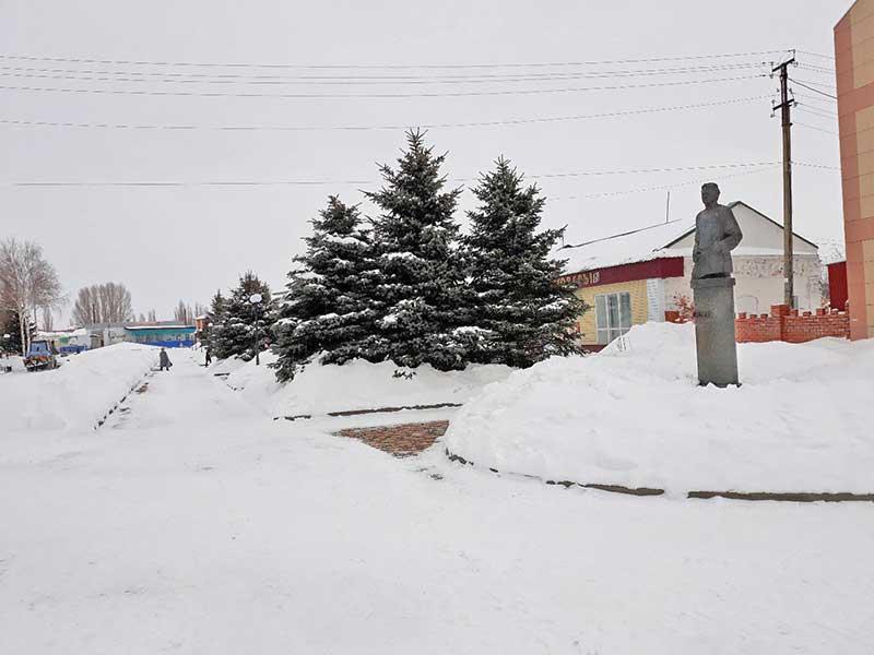 В память о великом писателе добринцы назвали свою главную улицу именем Горького.