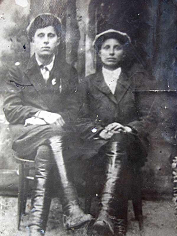 Братья Владимир (слева) и Илья Наливкины. Фото довоенной поры.