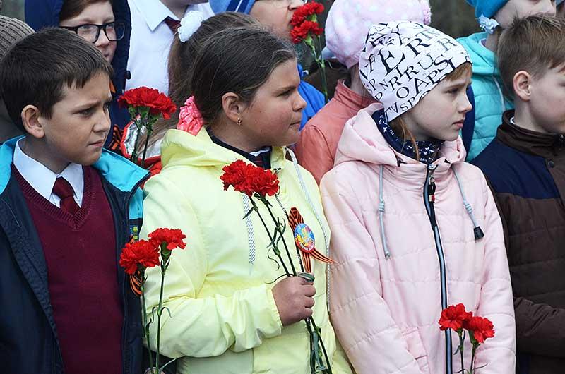 Для школьников этот день стал настоящим уроком патриотизма.