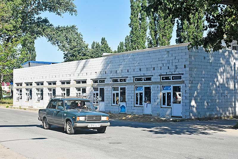 Новый кооперативный рынок в Добринке скоро примет первых покупателей.